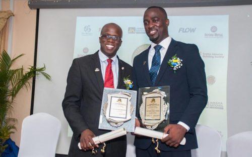 Prix d'excellence pour deux pasteurs adventistes