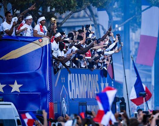 Victoire en Coupe du Monde de foot : merci les Bleus !