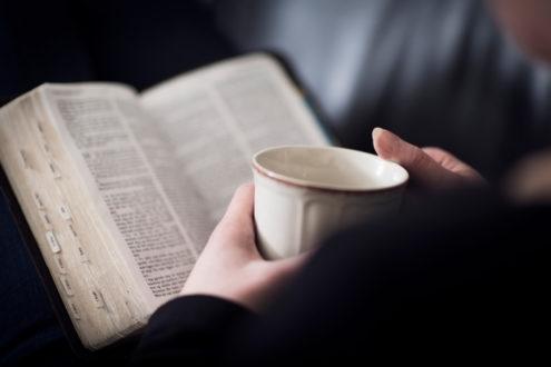 Les traductions de la Bible sont-elles sexistes ?