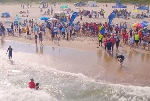 Des baptêmes sur l'une des plus belles plages des États-Unis