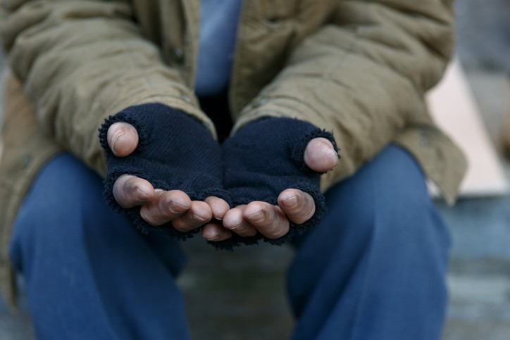 Face à la pauvreté