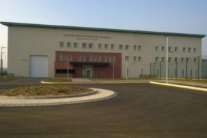 Prisons : une « inefficacité totale »