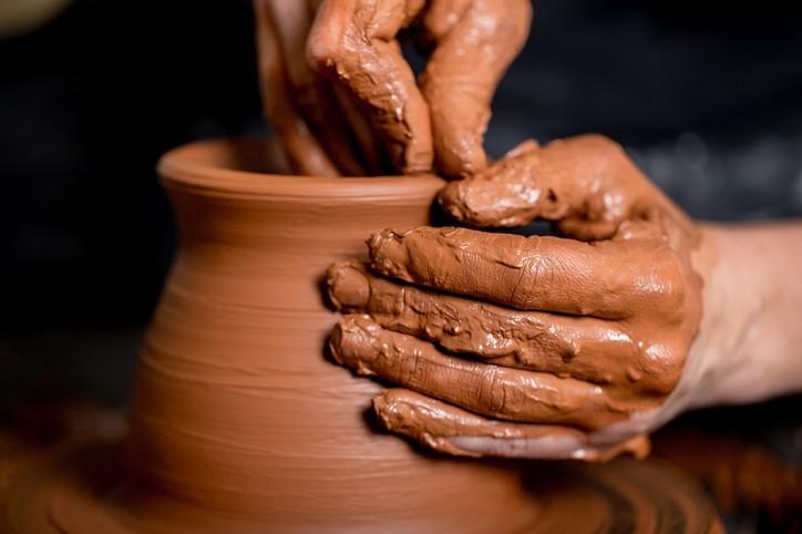 Dieu est le potier et son peuple est l'argile