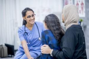 Soins médicaux : aider les migrants à se faire comprendre