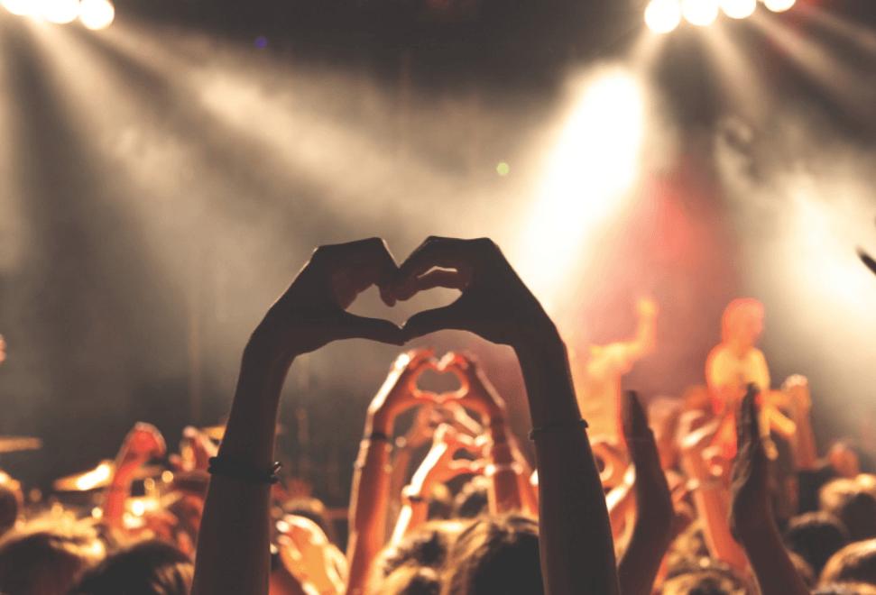 Les personnes actives dans l'Église ont tendance à être plus heureuses
