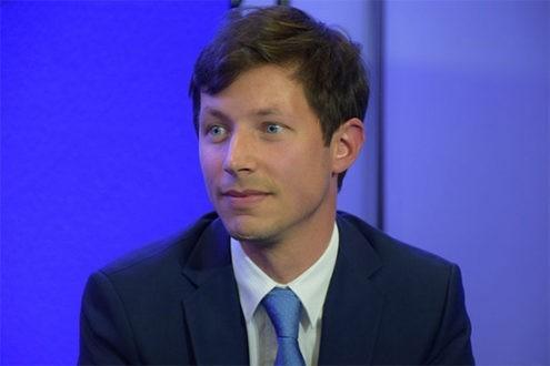 """François-Xavier Bellamy, un """"catholique engagé"""" en politique"""