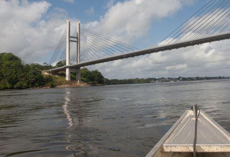Un pont sur l'Oyapock