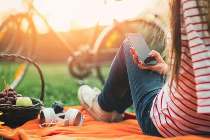 Vacances et écrans : comment se déconnecter ?