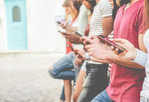 Internet et la victoire ambiguë des relations horizontales