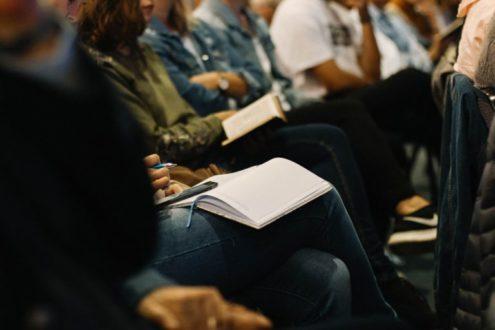 Sachons lutter contre les discriminations dans les églises