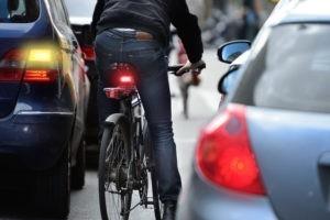 A pied ou en voiture : deux rapports différents à l'espace public