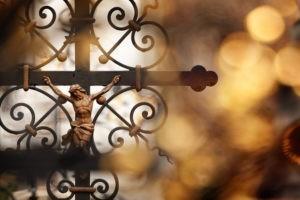 Comment les protestants comprennent-ils la crucifixion ?