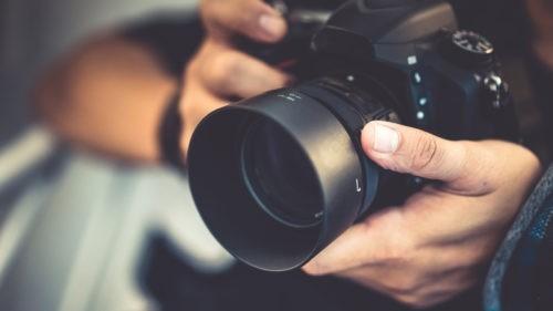 Au-delà du photojournalisme ; le travail de symbolisation