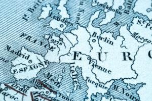 Faut-il attendre le salut de l'Union européenne ?