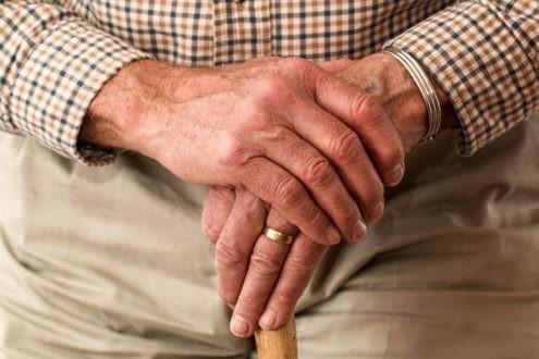 Seniors : prévenir les chutes à domicile
