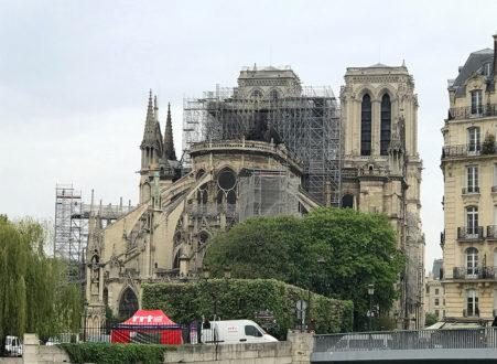Notre-Dame : malaise dans la précipitation