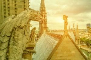 Après l'incendie de Notre-Dame, une France rechristianisée ?
