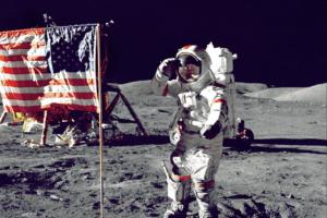 Buzz Aldrin a communié sur la Lune