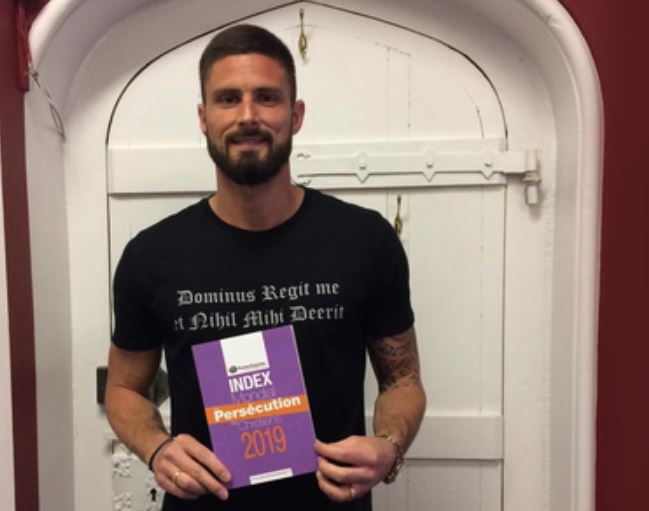 Olivier Giroud soutient les chrétiens persécutés