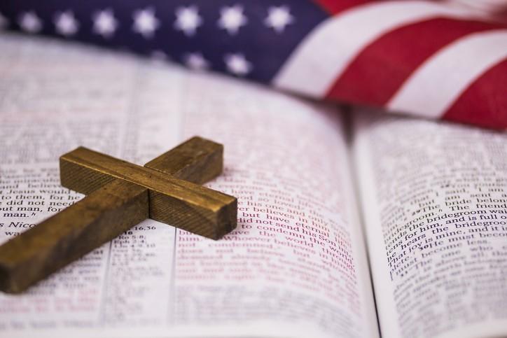 La Bible victime des taxes douanières voulues par Trump