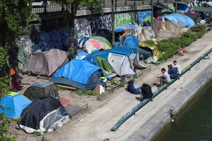 Prévenir la reconstitution des campements indignes