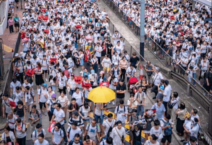 Hong Kong défend ses droits