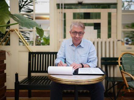Écrivain public, il remet l'humain au cœur des services publics
