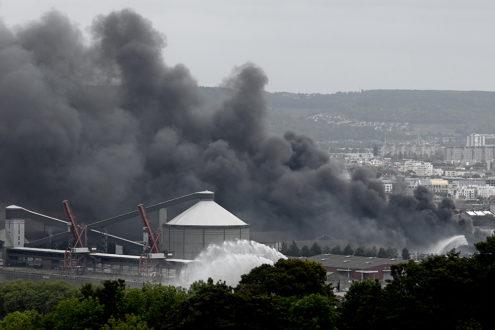 A Rouen, l'explosion de l'usine Lubrizol