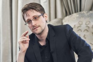 Que va devenir le lanceur d'alerte Edward Snowden ?