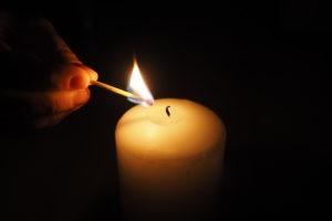 Une lumière plus forte que les ténèbres