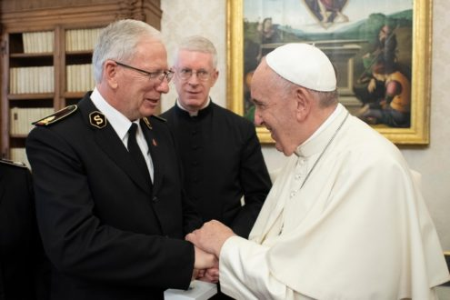 le Général Brian Peddle, a rencontré Sa Sainteté le Pape François, le 8 novembre 2019