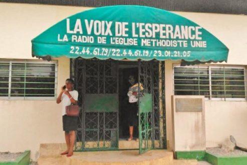 A Abidjan, la radio La Voix de l'espérance