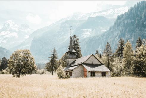 Les réformés suisses sont presque deux fois moins nombreux