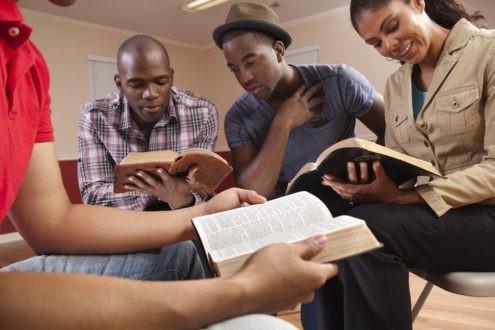 Culte participatif lire la Bible