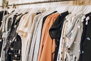 Des idées de cadeaux de Noël : des vêtements éthiques
