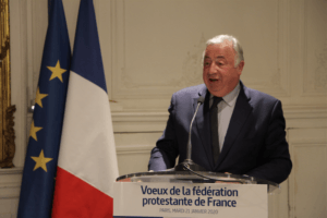 Gérard Larcher propose que le bureau des cultes rejoigne Matignon