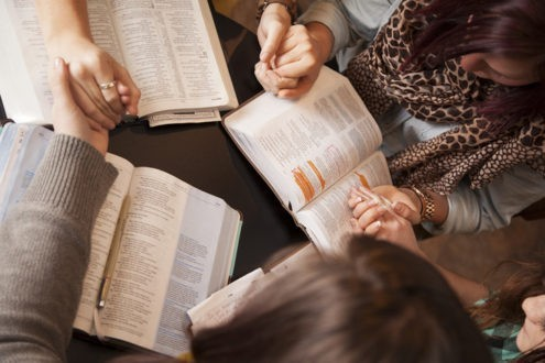 Lire, Prier, Partager à la maison Les Attestans