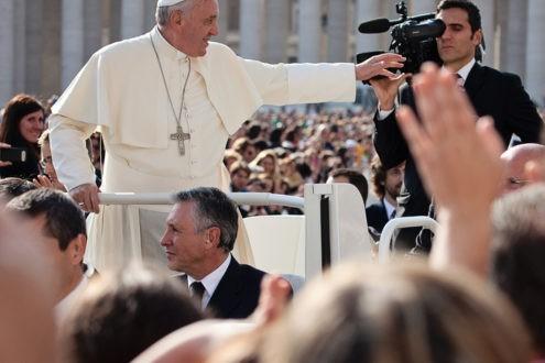 Comment le pape verrouille l'espace de la pensée