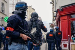 Violences policières, 19 ouvertures d'enquête, 68 classées sans suite