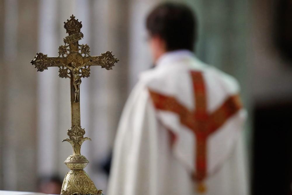 Prêtres mariés : le pape François a fait machine arrière