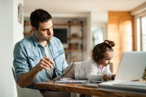 Télétravail et garde d'enfants : mission (quasi) impossible