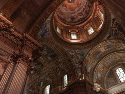 Les églises italiennes réouvriront le 18 mai, le Vatican respire