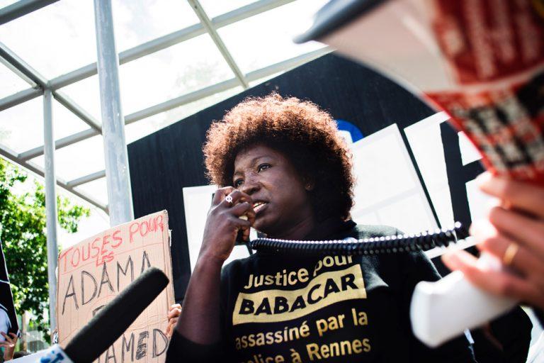 """France: quelles """"mesures fortes"""" contre les discriminations ?"""