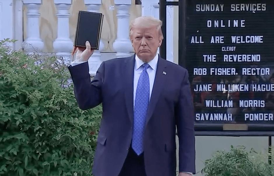 Le président Trump, la Bible et le serpent d'airain