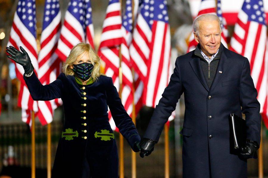 """Élu président, Joe Biden appelle à """"restaurer l'âme de l'Amérique"""""""
