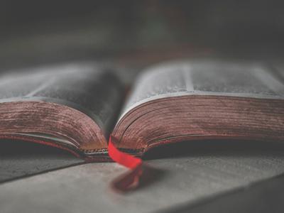 Comment la Bible définit-elle la pauvreté ?