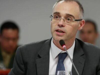 Jair Bolsonaro nomme un pasteur évangélique à la Cour suprême
